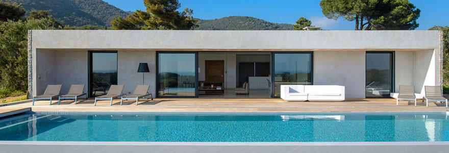 maison avec piscine en corse le prix de la location. Black Bedroom Furniture Sets. Home Design Ideas